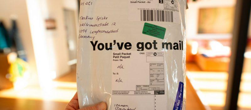 Package. Credits: Markus Spiske